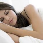 Μια ώρα επιπλέον ύπνου «ρίχνει» την πίεση