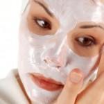 Απλές, φυσικές μάσκες κατά της ακμής